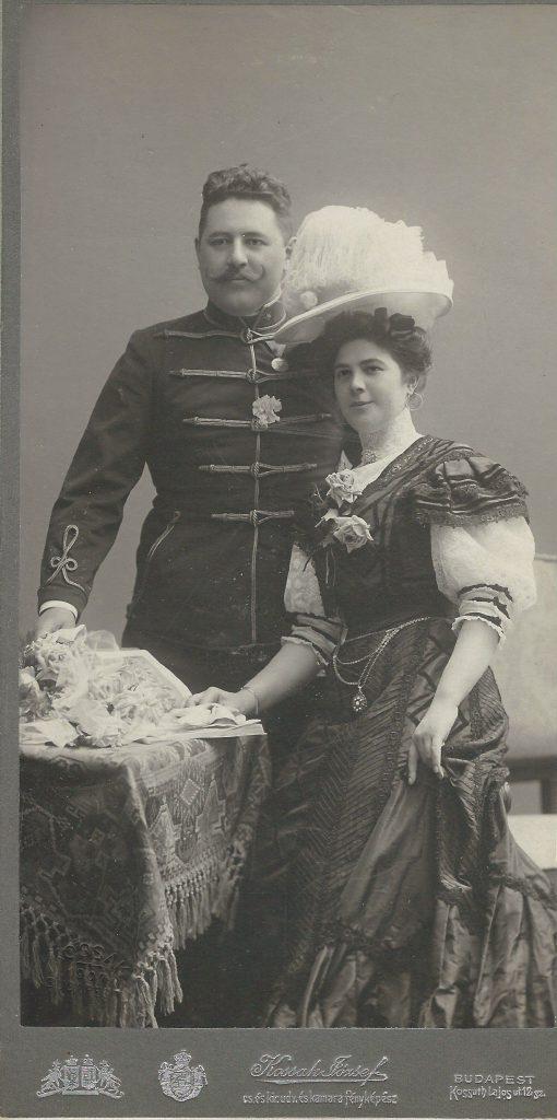 Középkorú házaspár portréja, Budapest XIX. század vége-XX. század eleje kép, CC BY-NC-ND