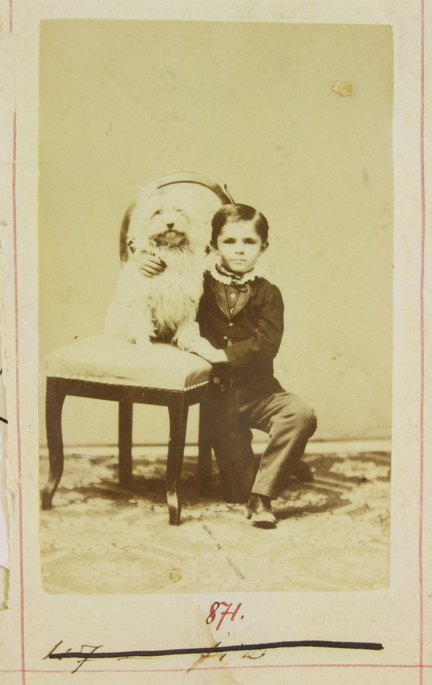 Nendtwichné fia kutyával -Déri Múzeum, CC BY-NC-ND