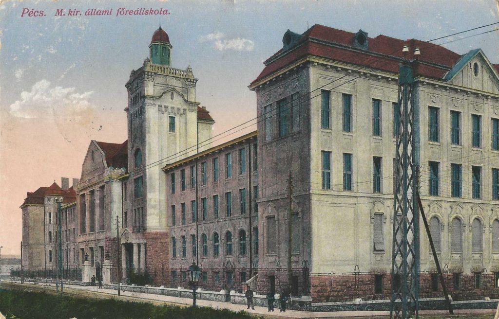 Pécsi Magyar Királyi Állami Főreáliskola - Csorba Győző Könyvár - Pécs, PDM