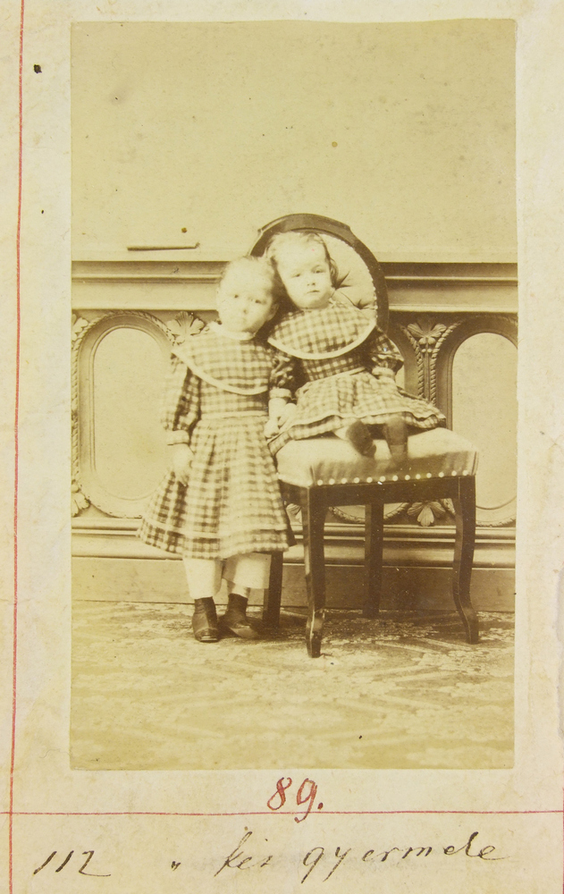 Sujan Ferenc két kislánya, Szerdahelyi Kálmán és felesége, Prielle Kornélia, CC BY-NC-ND