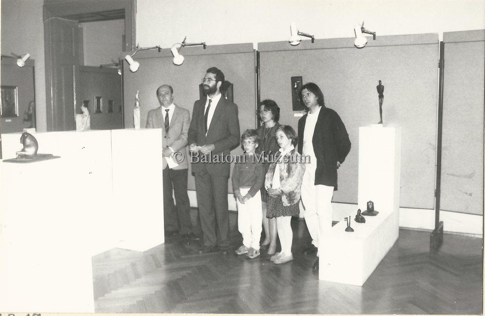 Egy kiállítás 1990-ben, Keszthelyen (MaNDA adatbázis)