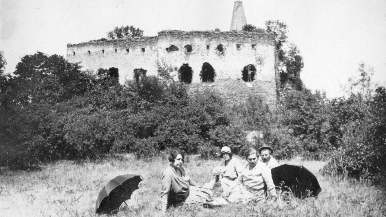 A vulkán szélére épített vár