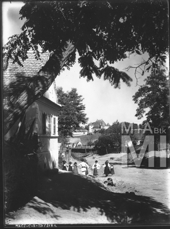 Küküllővár egy 1930-as években készült felvételen (MaNDA datbázis)