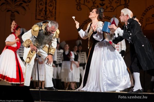 Daljátékot is rendezett az Erkel Színházban (MaNDA)