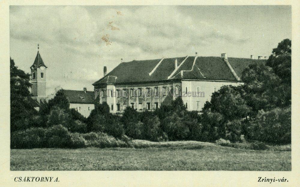 A kastéllyá épített vár egy két világháború közötti képeslapon (MaNDA)