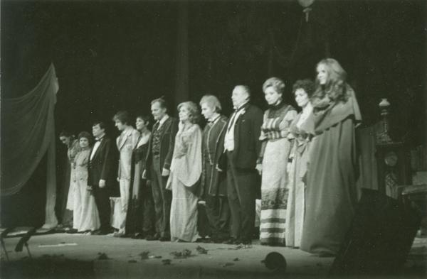 Krúdy Gyula Rezeda Kázmér szép élete című darabjában (MaNDA)