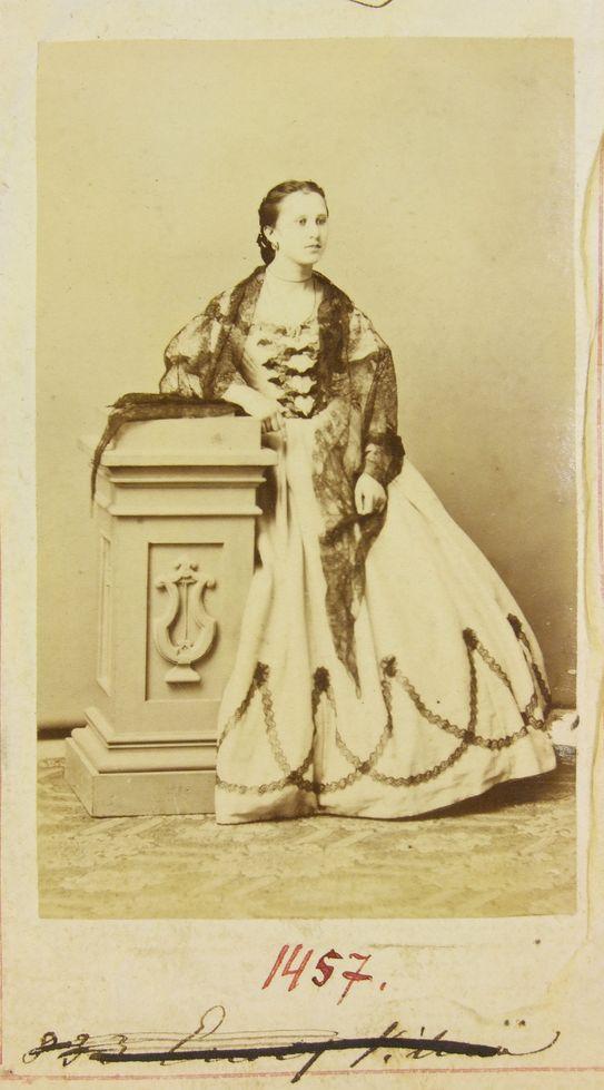 Ercsey kisasszony portréja a Gondy-Egey albumban - Déri Múzeum, CC BY-NC-ND
