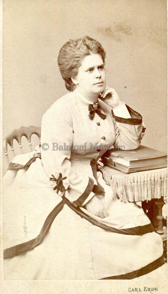 Ismeretlen nő fotója (1872) - Balatoni Múzeum, CC BY-NC-ND
