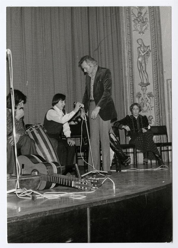 Halmos Béla gitárokkal (MaNDA)
