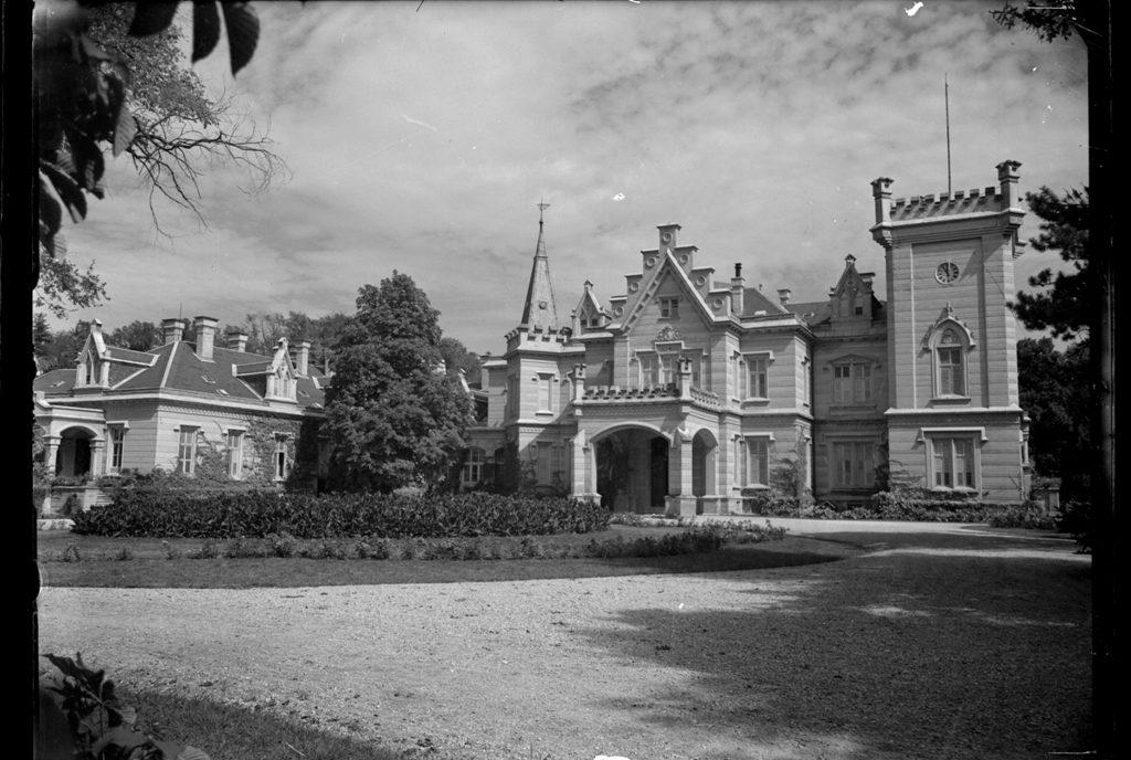 A kastély üvegnegatívon (MaNDA)