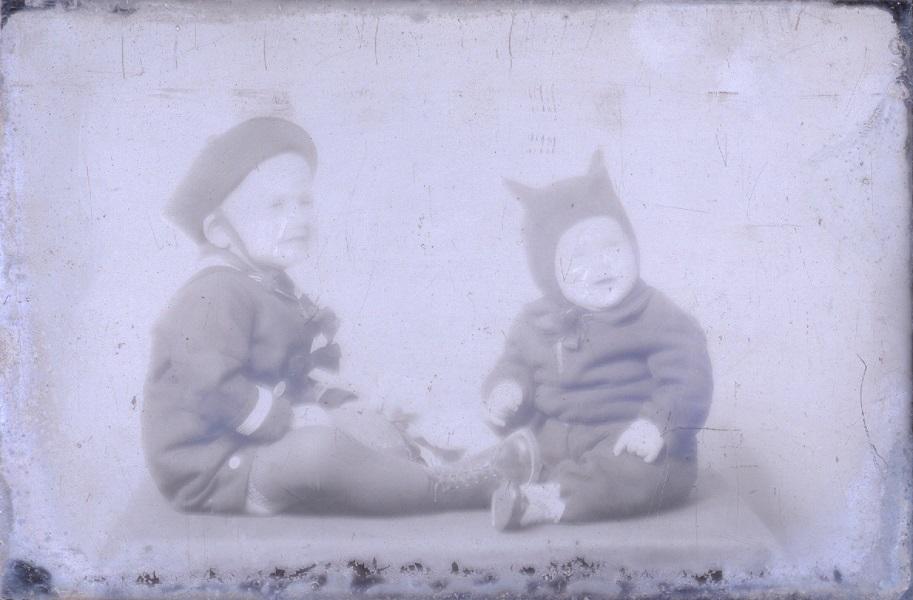 Gyermekportré, üvegnegatív - Együd Árpád Kulturális Központ, Ismeretlen licenc