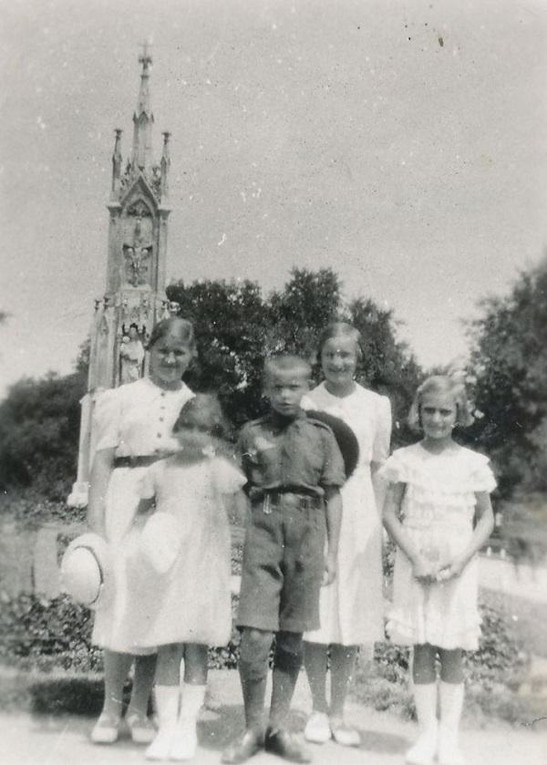 Horváth gyerekek (1937) - Városi Képtár Deák Gyűjtemény Székesfehérvár, CC BY-NC-ND