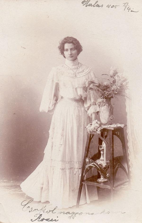 Nő polgári viseletben (1905) - Thorma János Múzeum, CC BY-NC-ND