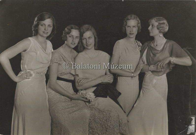 Gróf Edelsheim Gyulai Lipótné és lányai (1933) - Balatoni Múzeum, CC BY-NC-ND