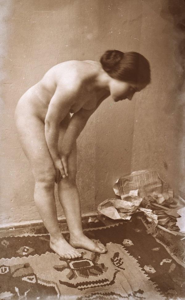 Smohay János: Hajoló női akt (1915 körül) - Városi Képtár Deák Gyűjtemény Székesfehérvár, CC BY-NC-ND