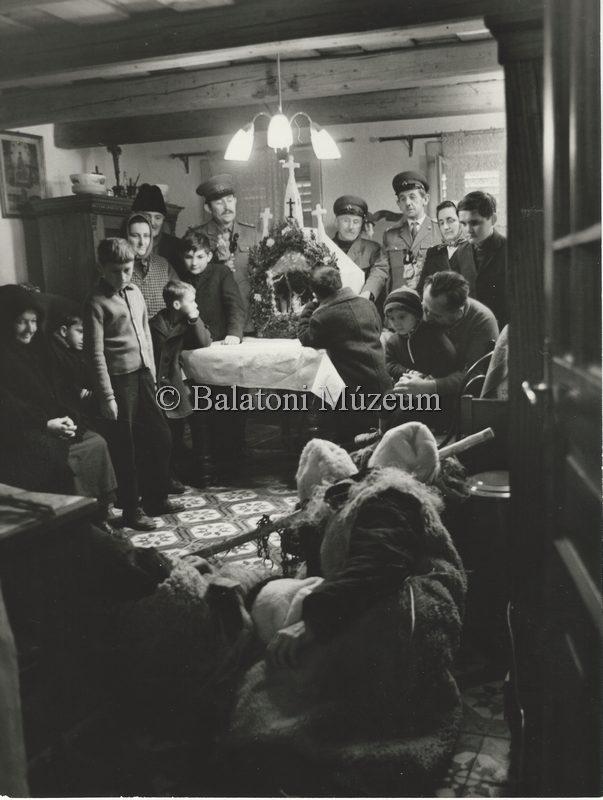 A betlehemezők és a háznép 1970-ben, Vörsön (MaNDA)