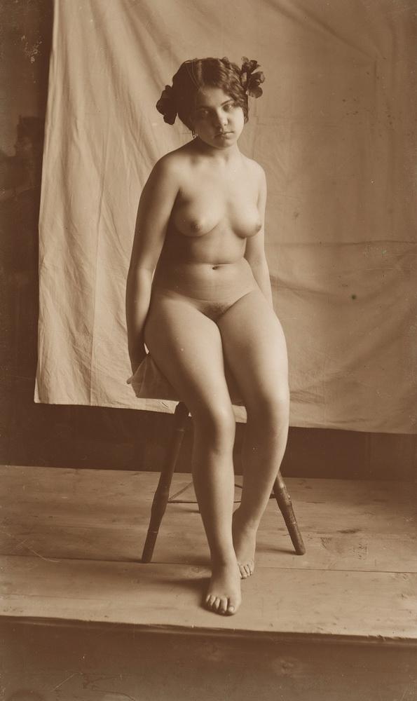 Smohay János: Ülő női akt (1915 körül) - Városi Képtár Deák Gyűjtemény Székesfehérvár, CC BY-NC-ND