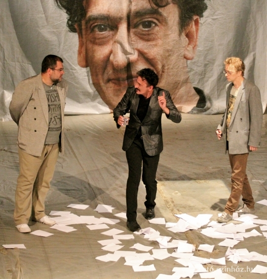 A Gyulai Várszínház és a sepsiszentgyörgyi Tamási Áron Színház közös bemutatója 2013-ban (MaNDA)