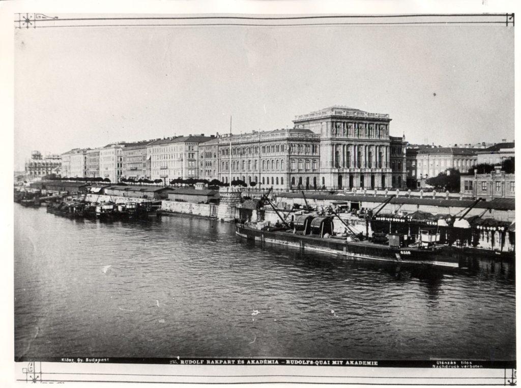 Az MTA 1896-ban, Klösz György felvételén (MaNDA)