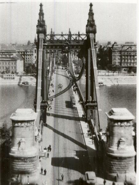 Erzsébet híd, 1930-as évek - MKVM, CC BY-NC-ND