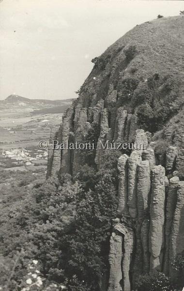 Badacsony, a Szt. György-hegy bazaltsziklái (1956) - Vollmuth Péter - Badacsonytördemic, CC BY-NC-ND