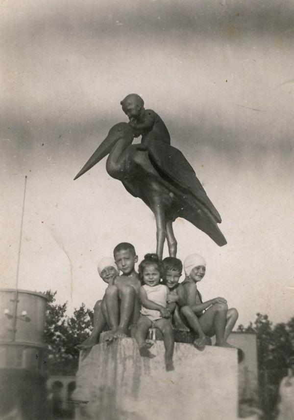 Strandoló gyerekek (1935 körül) - Városi Képtár Deák Gyűjtemény Székesfehérvár, CC BY-NC-ND