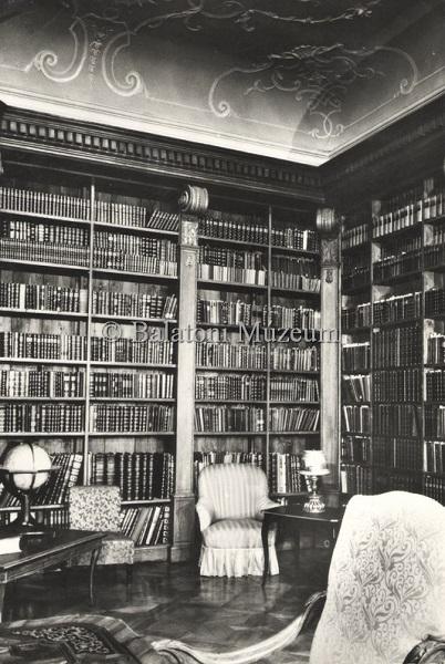 Keszthely. Helikon könyvtár - Balatoni Múzeum,CC BY-NC-ND