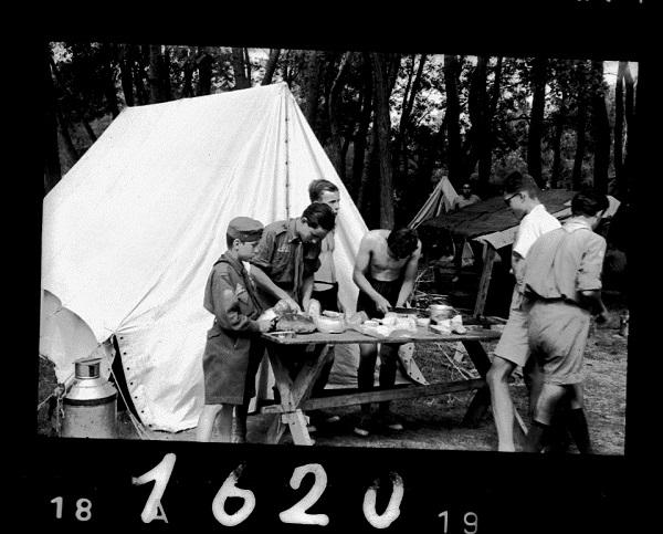 Cserkésztábor Csicsón, negatív (1940) - Gróf Esterházy Károly Múzeum, Pápa, CC BY-NC-ND