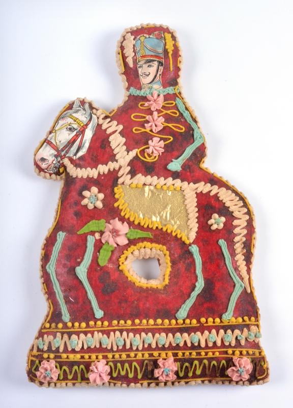 Kerékgyártó Sándor mézeskalácsos mester: Ejzolt huszár, mézeskalács - Déri Múzeum, CC BY-NC-ND