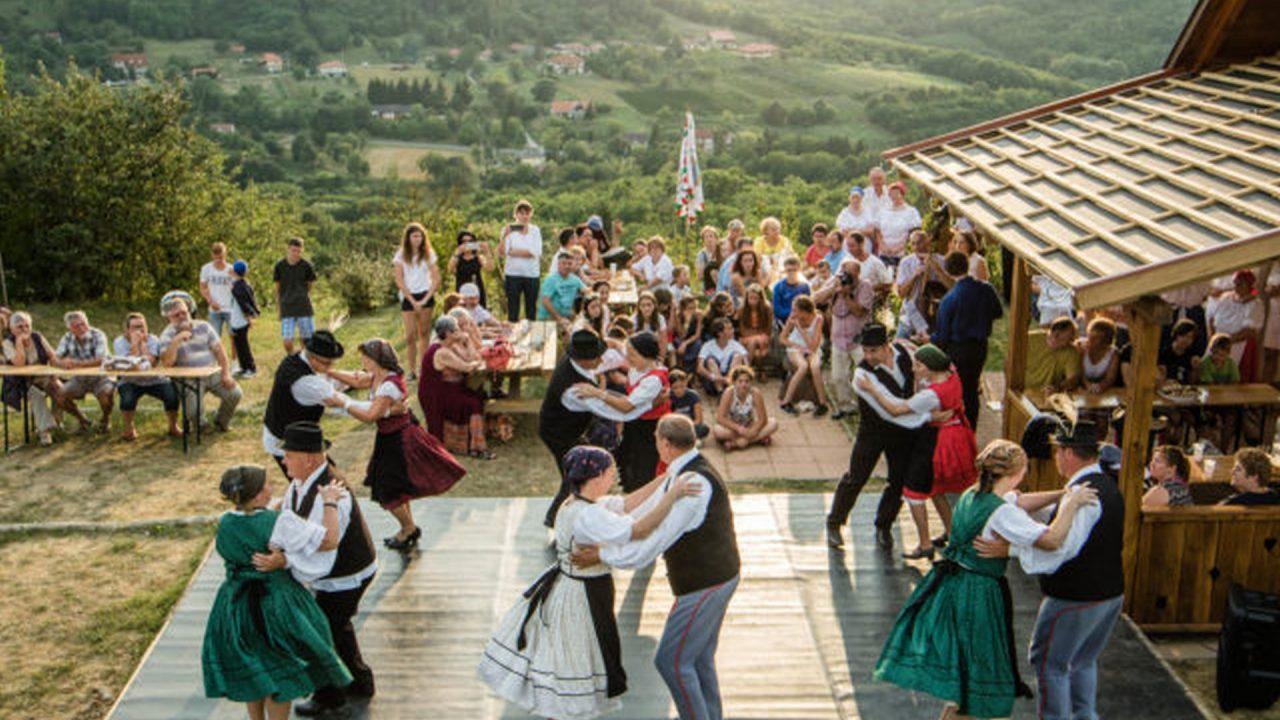 24 göcseji falu harmadik dombérozója