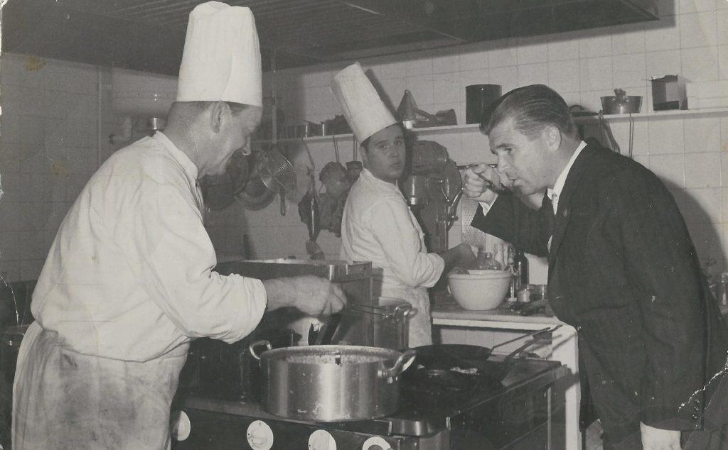 Madridban is meghívta a magyarokat egy fröccsre (MaNDA)