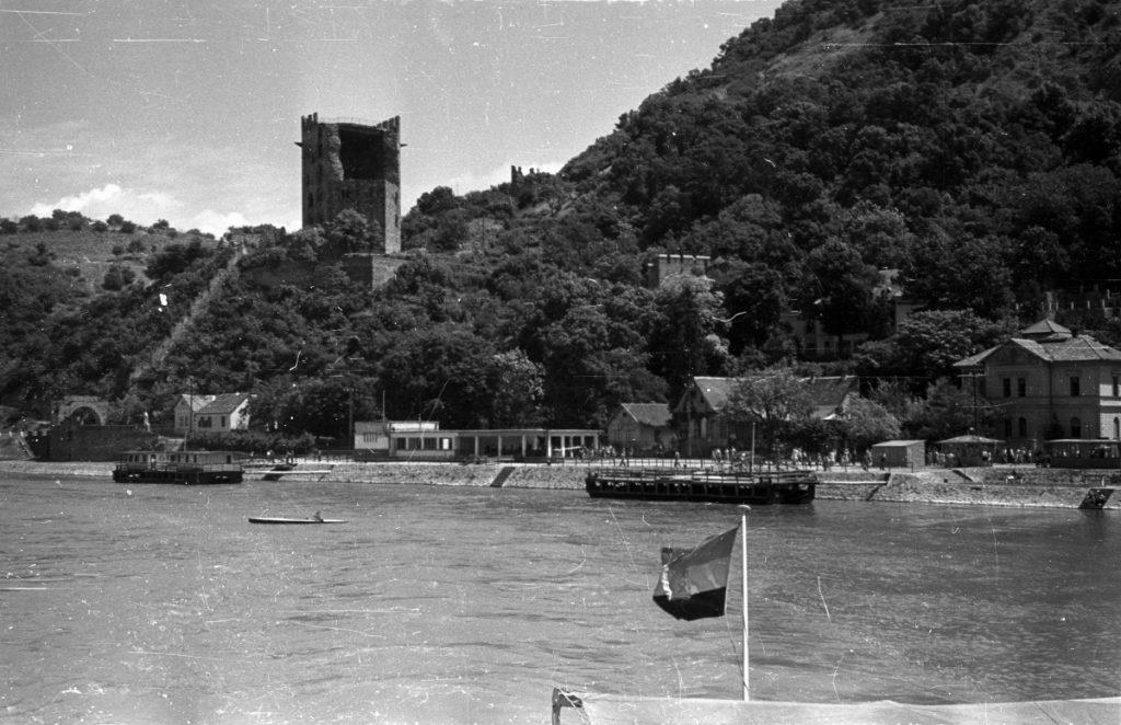 A Salamon torony még csonkán, 1953-ban (MaNDA)