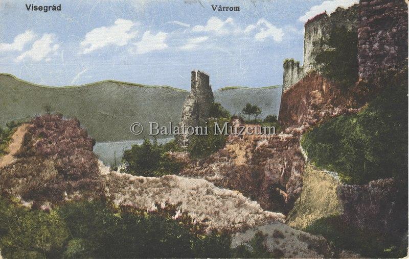 Az erősen romos vár 1918-ban (MaNDA)