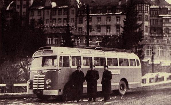 Az első Ikarus 30-as - 50 éves a Borsod Volán - Városi Könyvtár - Ózd, CC BY-NC-ND