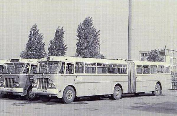 Ikarus 620-as - 50 éves a Borsod Volán - Városi Könyvtár - Ózd, CC BY-NC-ND