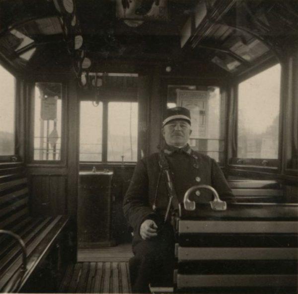Pécsi villamosok 1913 és 1960 között - Csorba Győző Könyvtár - Pécs, CC BY-NC