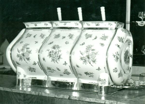 Díszes kávégép - Magyar Kereskedelmi és Vendéglátóipari Múzeum, CC BY-NC-ND