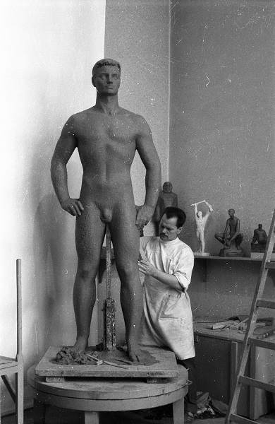 Kirchmayer Károly szobrászművész műtermében - Fortepan, CC BY-SA