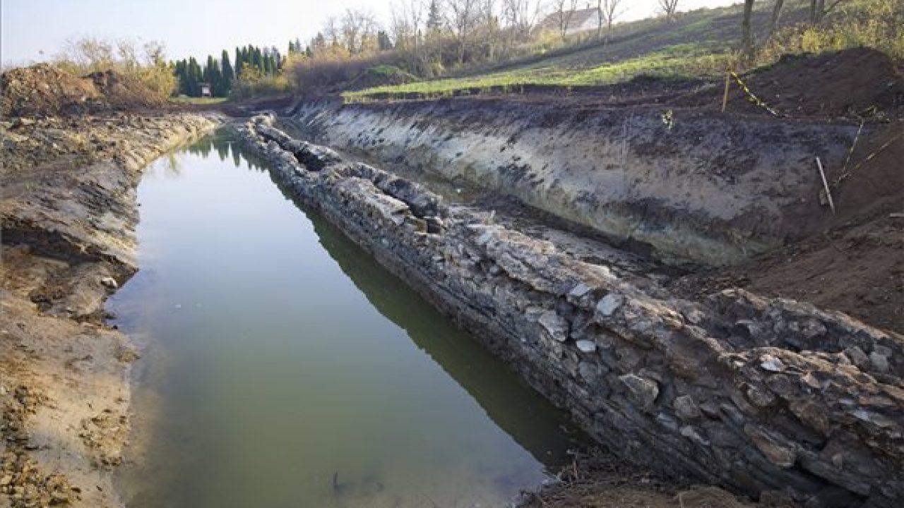Földalatti vezetéken érkezett a víz Savariába