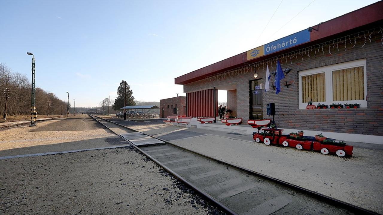 Az ófehértói lett a legrendezettebb vasútállomás