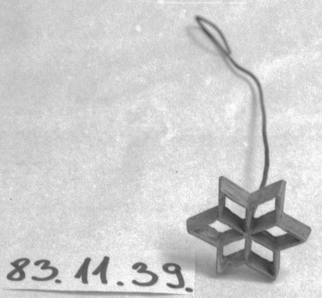 Süteményes minta, kiszúró (1995) - Thorma János Múzeum, CC BY-NC-ND