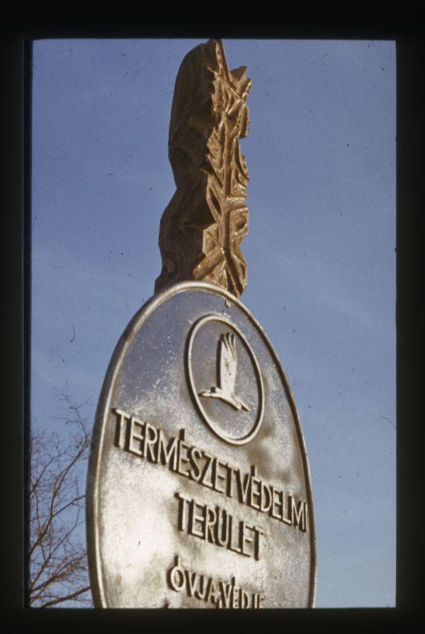 Skoflek István diaképei - tatai Kálvária-domb Geológiai Természetvédelmi Terület - Kuny Domokos Múzeum, CC BY