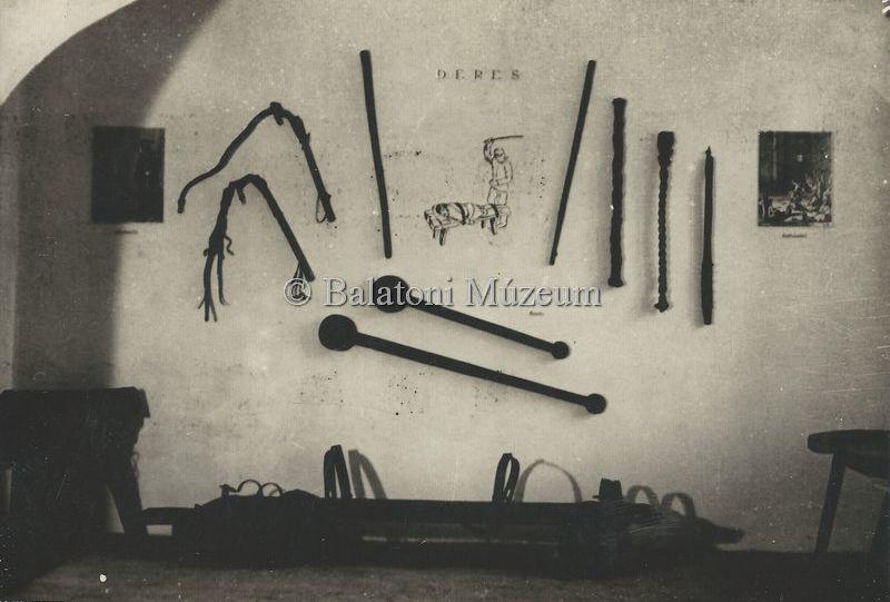 Vallató- és büntetőeszközök - Balatoni Múzeum, CC BY-NC-ND