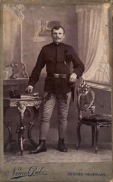 Katona, első világháborús viseletben - Városi Képtár Deák Gyűjtemény Székesfehérvár, CC BY-NC-ND