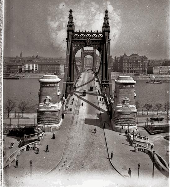Erzsébet-híd és a budai hídfő - Kuny Domokos Múzeum, CC BY