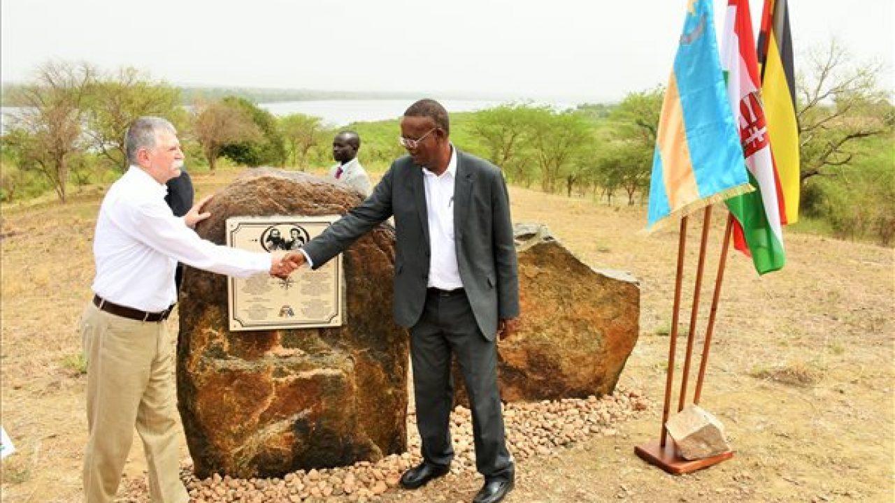 Emléktáblát kapott Sass Flóra, a nagyenyedi Afrika-felfedező