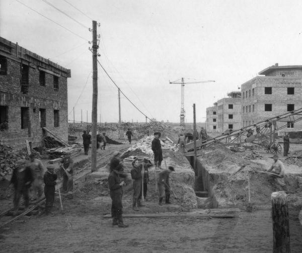 A Dunaújvárost építő munkások - Fortepan, CC BY-SA