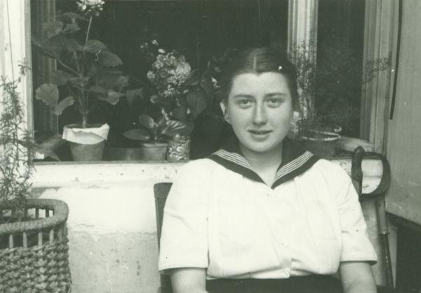 Czellár Nelli érettségijekor - Déri Múzeum, CC BY-NC-ND