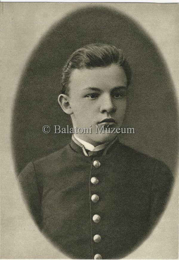 Lenin érettségi portréja - Balatoni Múzeum, CC BY-NC-ND