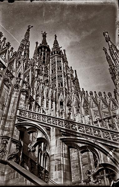 Milánói dóm támpillérei és tornyai - Kuny Domokos Múzeum, CC BY